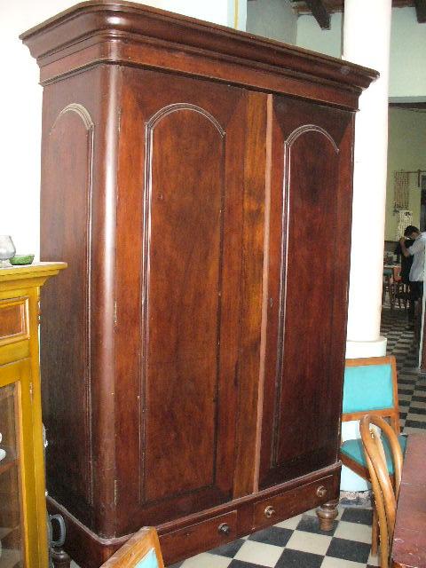 Fotos de vendo muebles antiguos bogot distrito for Muebles de oficina usados en rosario