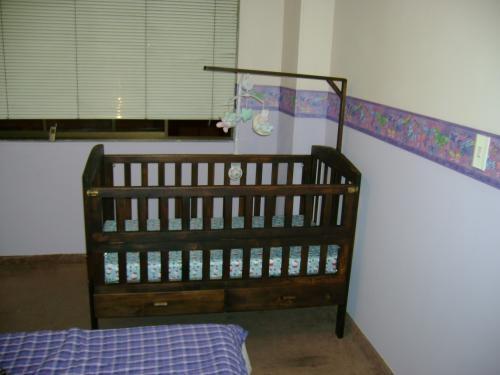 Fotos de vendo cama cuna como nueva caldas accesorios for Vendo cama individual