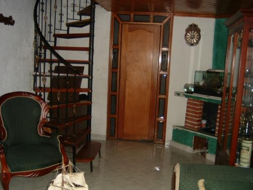 vendo casa en suba, esquinera con local