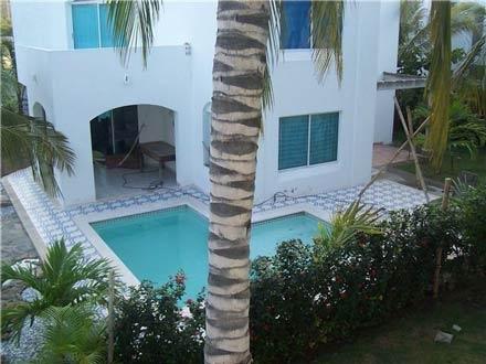 Fotos de exclusiva casa con piscina privada santa marta for Alojamiento con piscina privada