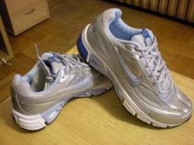 Fotos de Vendo Tennis Nike originales para Dama T37
