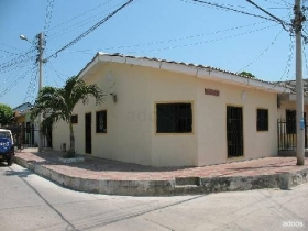 Fotos de CASA ESQUINA COMERCIAL SE VENDE UBICADA EN EL CENTRICO BARRIO MONTES DE BARRANQUILLA (ATLANTICO - COLOMBIA)