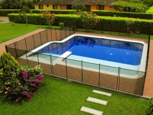 fotos de mantenimiento y suministros para piscinas turcos