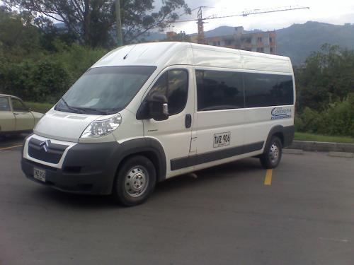 Viajes turismo microbus van medellin aeropuerto cotizaciones alquiler horas