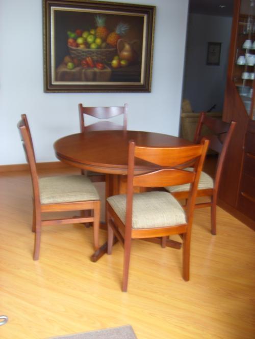 Juegos de comedor 6 puestos en sala y comedor auto for Comedor redondo de madera