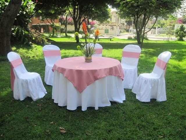 Mesa para eventos imagui for Sillas para quinceaneras