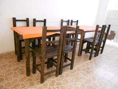 fotos de vendo mesas y sillas para bar o restaurant en