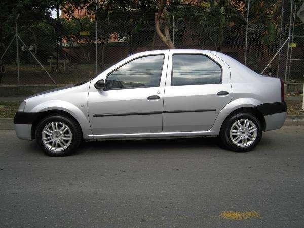 Fotos de Renault logan 1.4 dinamique 2007 perfecto 4