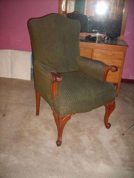 Muebles de sala estilo luis xv usada. color verde oscuro. 2 ...