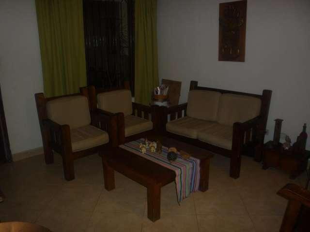 Muebles de comedor rusticos comedor con bancas comedor for Muebles de comedor en madera