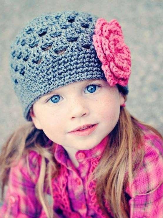 Hermosos gorros tejidos en crochet 100% a mano