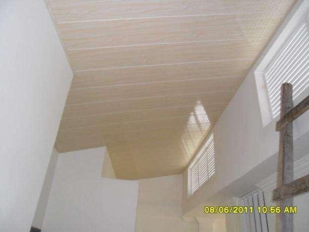 Falsos techos de pvc bonito diseo falso techo madera with - Falsos techos pvc ...