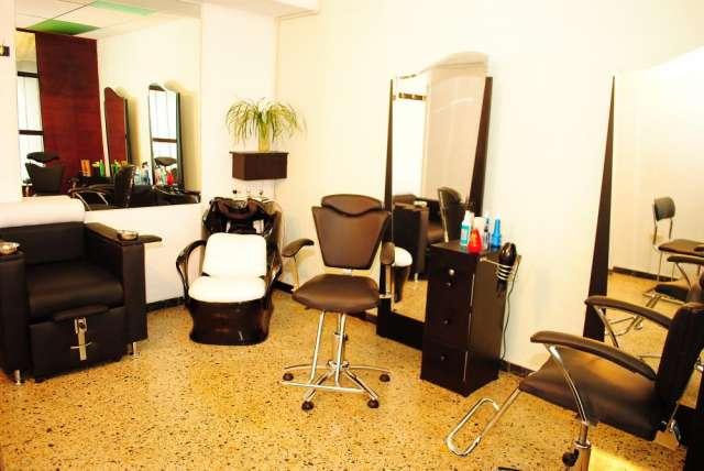 Muebles para salón de belleza, oportunidad en Bogotá, Colombia