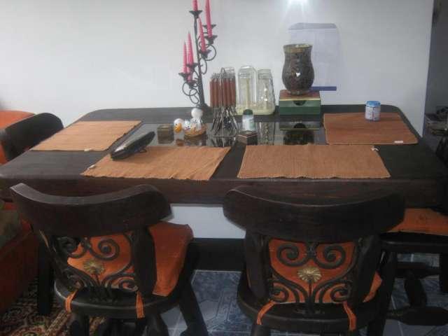 Comedor en rustico hermoso en Bogotá, Colombia  Muebles