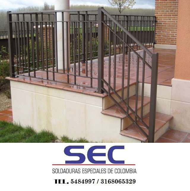 Pasamanos metalicos para escaleras excellent baranda de - Armarios metalicos para exterior ...