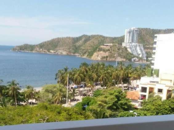 Apartamento con balcón vista al mar para temporada vacacional