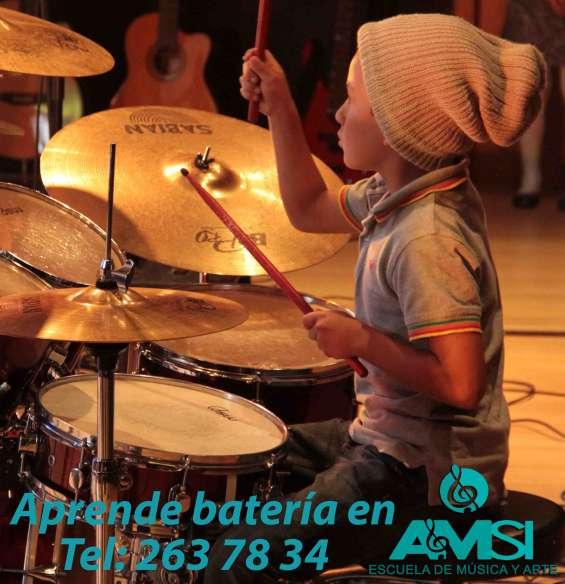 Clases para niños y jóvenes - aprender a tocar batería.