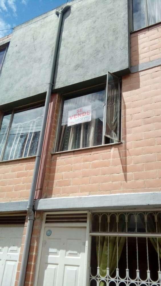 Vendo casa en alameda del portal etapa 1