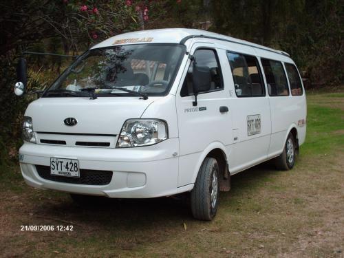 Alquilo van modelo 2006 16 pasajeros