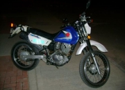 vendo moto DR 200 EN PERFECTO ESTADO
