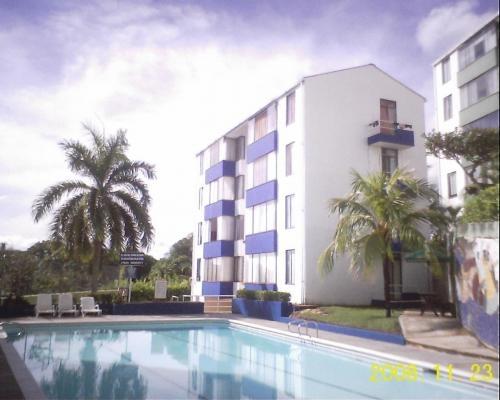 Alquilo apartamento en conjunto con piscina en melgar