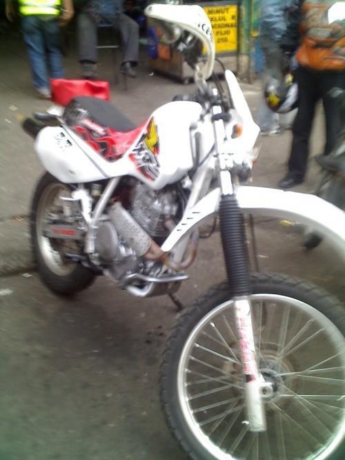 Vendo moto honda xr 600 económica en perfecto estado