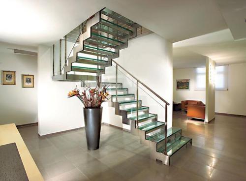 Barandas y escaleras en acero inoxidable