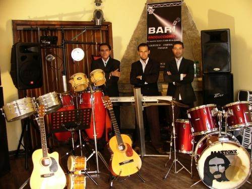 Bari producciones, musica en vivo, grupo musical, musica en vivo, cantante, musicos,