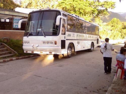 Transporte turistico escolar y empresarial