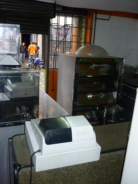 Fotos de Vendo negocio comidas rapidas - sector universitario 1