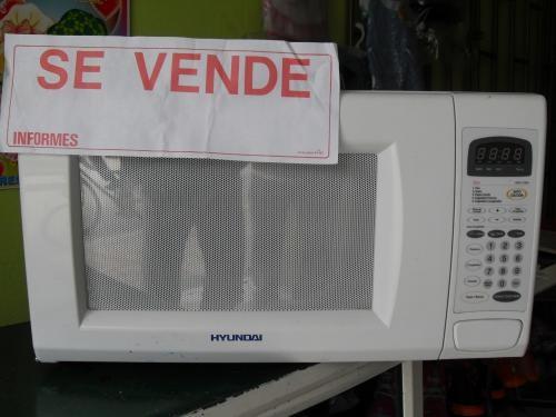 Hermoso horno microondas marca hyunday