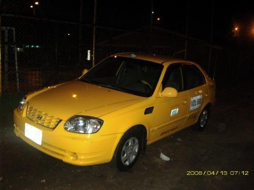 Taxi hyundai accent gls 55000000