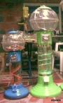 maquina dispensadora de dulces o chicles como la grande de la foto