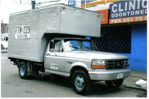 Alquiler de ford 350 furgon aislado publico