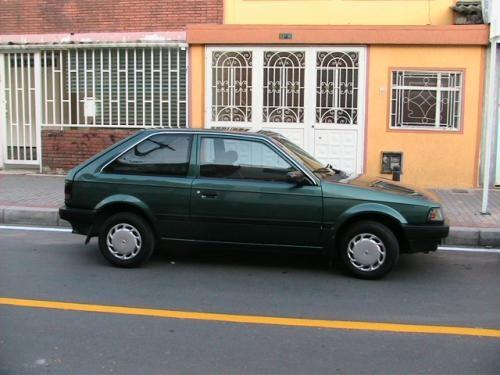 Vendo excelente mazda 323 coupe