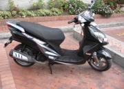 Scooter negra um 150 cc 2008