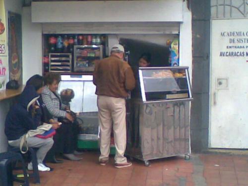 Se vende cigarreria cefeteria en chapinero 5'500.000