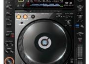 Pioneer cdj-2000 digital turntable / cd player price 904 euro