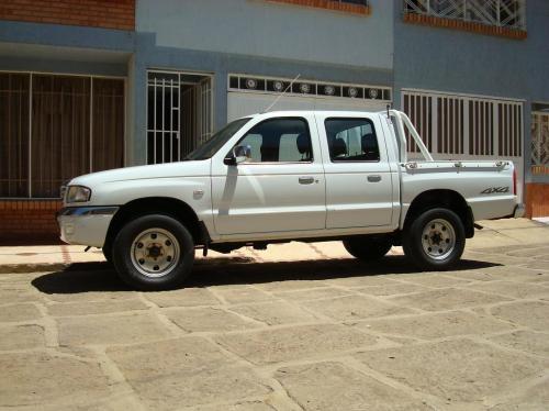Venpermuto camioneta maxda b2600 2005 dc 4x4 full recibo vehiculo menor valor