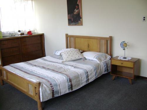 Alquilo habitación cra. 30 cll. 26