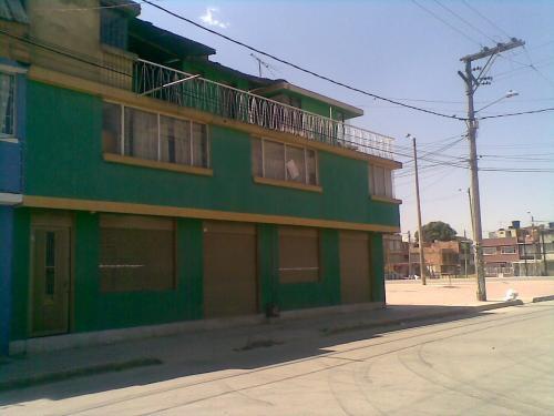 Se vende / casa 3 pisos / bosa josé maria carbonell