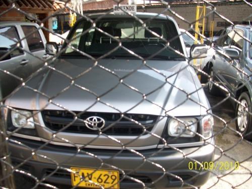 Toyota hilux 4x4 doble cabina original modelo 2005
