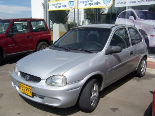 Vendo vehiculo chevrolet corsa active