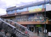 Local .. en  centro comercial .-  venpermuto