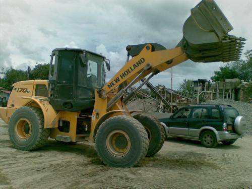 Venta y alquiler de equipos nuevos y usados para construccion, mineria y vias