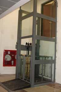 Ascensor electrohidraulico para minusvalidos