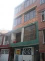 edificio de 4 pisos