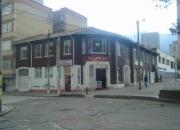 VENDO CASA ESQUINERA CENTRO INTERNACIONAL ,LOCALES ,OFICINAS