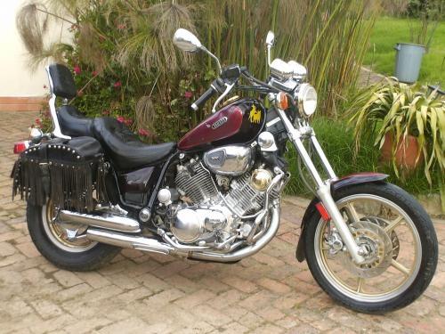 Vendo hermosa moto yamaha virago 1100 modelo/90