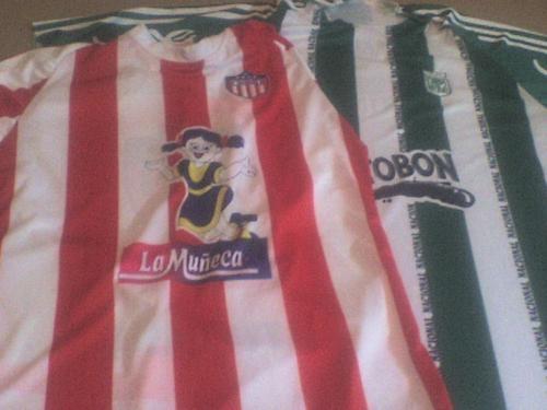 Servicio de transfer y venta de camisetas deportivas nacionales.